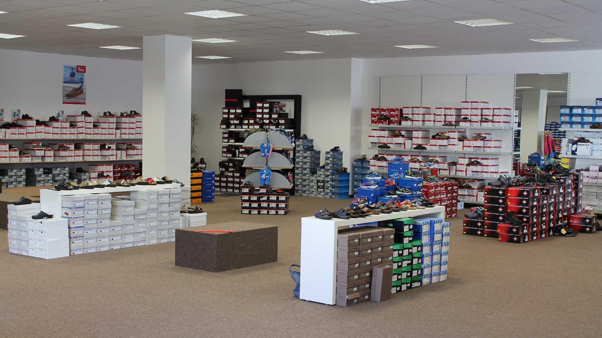 Schuhe im Laden
